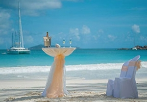 UAE expatriate Two Lovers Wedding Package